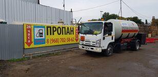 ISUZU camión cisterna de gas